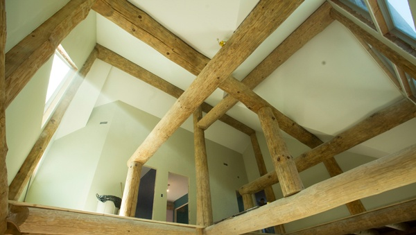 The Beauty of Exposed Beams in a Log Cabin