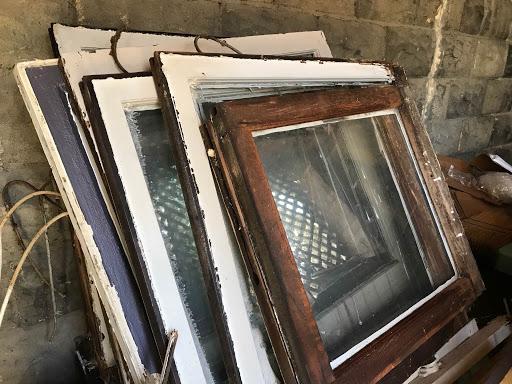 windows in custom home